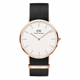 Daniel Wellington Classic Black St. Mawes gyllt 40mm